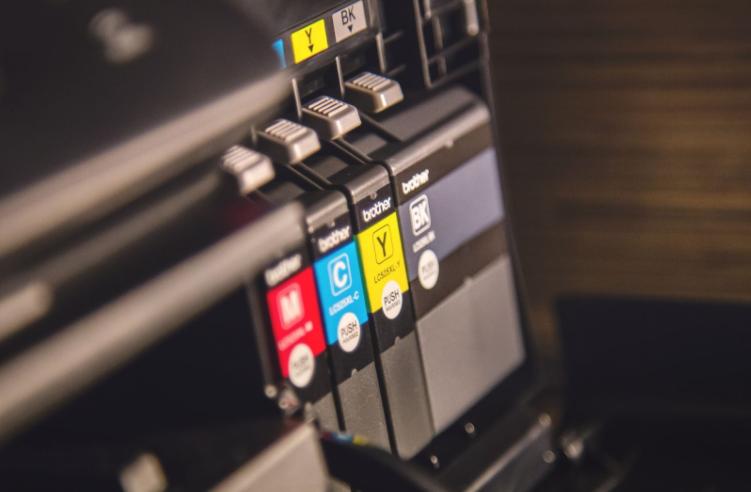 複合機のポスター印刷とはとても簡単!印刷方法ごとの手順を解説!
